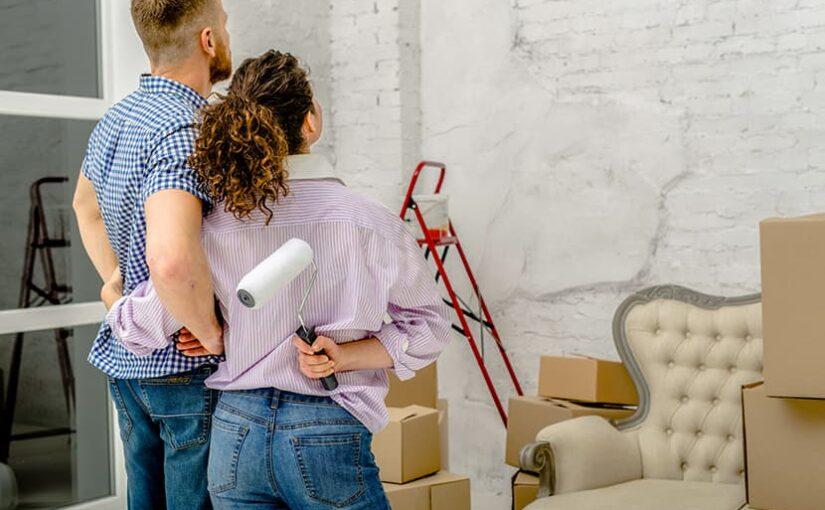 couple qui renove un appartement
